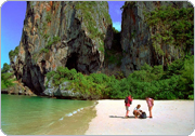 Cheap flights to Bangkok from Phuket